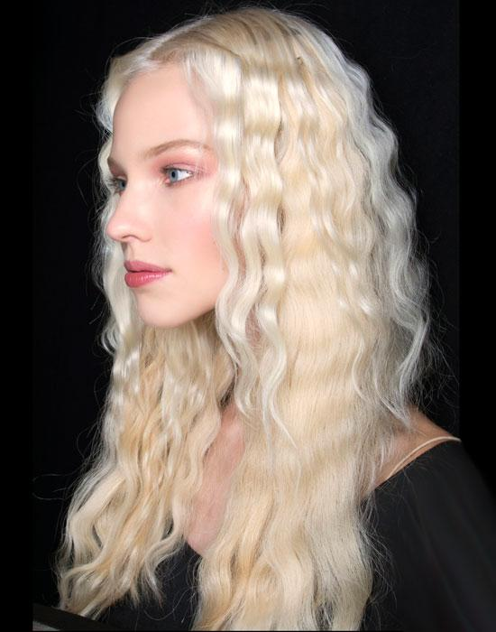 The bohemian vibe is still being rocked! Try crimping the top sections for a contrast in textures